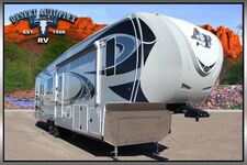 2020 Northwood Arctic Fox 35-5Z Triple Slide 5th Wheel RV
