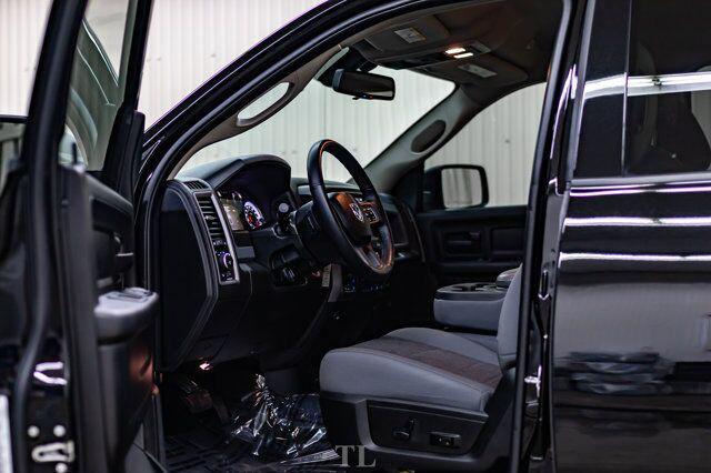2020 Ram 1500 Classic 4x4 Crew Cab Black Express 2