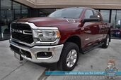 2020 Ram 2500 Big Horn / 4X4 / Crew Cab / 6.4L HEMI V8 / Auto Start / Heated Seats & Steering Wheel / Seats 6 / Bluetooth / Back Up Camera / Cruise Control / Tow Pkg / Only 9k Miles / 1-Owner
