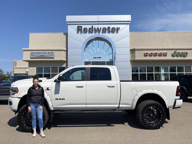 2020 Ram 3500 Laramie Night Edition - Rig Ready Ram - ONLY 6,400KMS - Cummins - BDS Lift - AISIN Trans - Sunroof Redwater AB