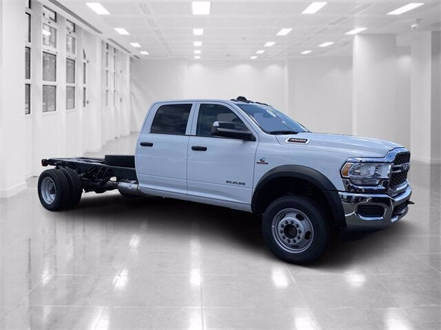 "2020 Ram 4500 Chassis Cab TRADESMAN CHASSIS CREW CAB 4X4 84 CA"" Winter Haven FL"
