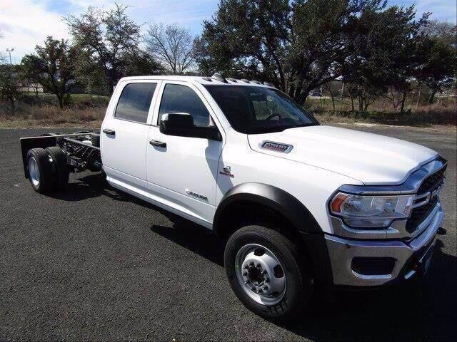 "2020 Ram 5500 Chassis Cab TRADESMAN CHASSIS CREW CAB 4X4 84 CA"" Lampasas TX"