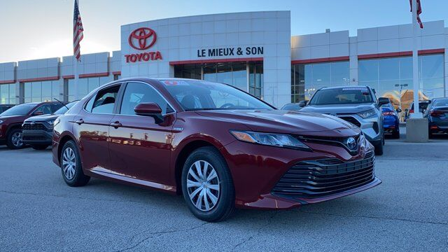 2020 Toyota Camry Hybrid LE Green Bay WI