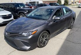 2020_Toyota_Camry_SE_ Cleveland OH