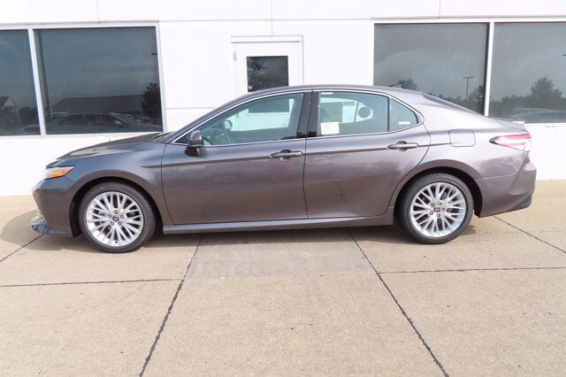 2020 Toyota Camry XLE V6 Moline IL