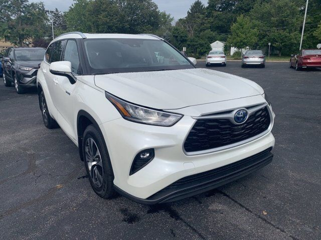 2020 Toyota Highlander Hybrid XLE State College PA