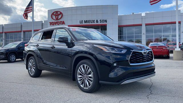 2020 Toyota Highlander Platinum Green Bay WI