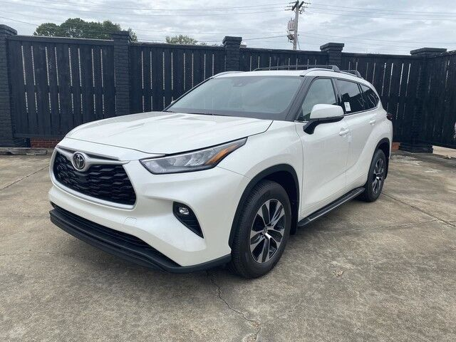 2020 Toyota Highlander XLE Louisville MS