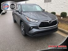 2020_Toyota_Highlander_XLE V6 FWD_ Decatur AL
