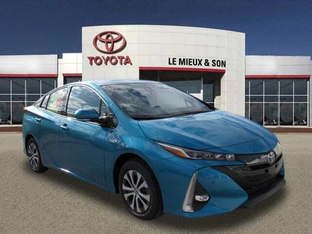 2020 Toyota Prius Prime Limited Green Bay WI