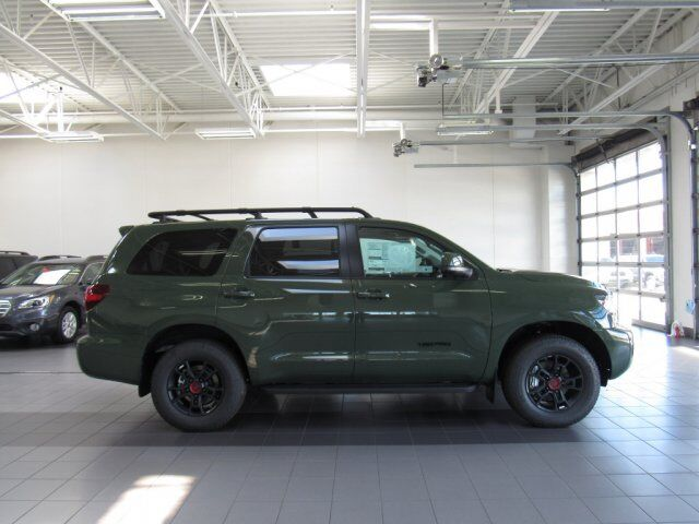 2020 Toyota Sequoia SR5 Green Bay WI
