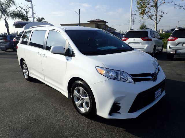 2020 Toyota Sienna LE Mobility Anaheim CA