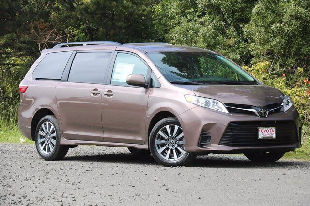 2020 Toyota Sienna LE Newport OR