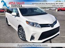 2020_Toyota_Sienna_LE_ Martinsburg