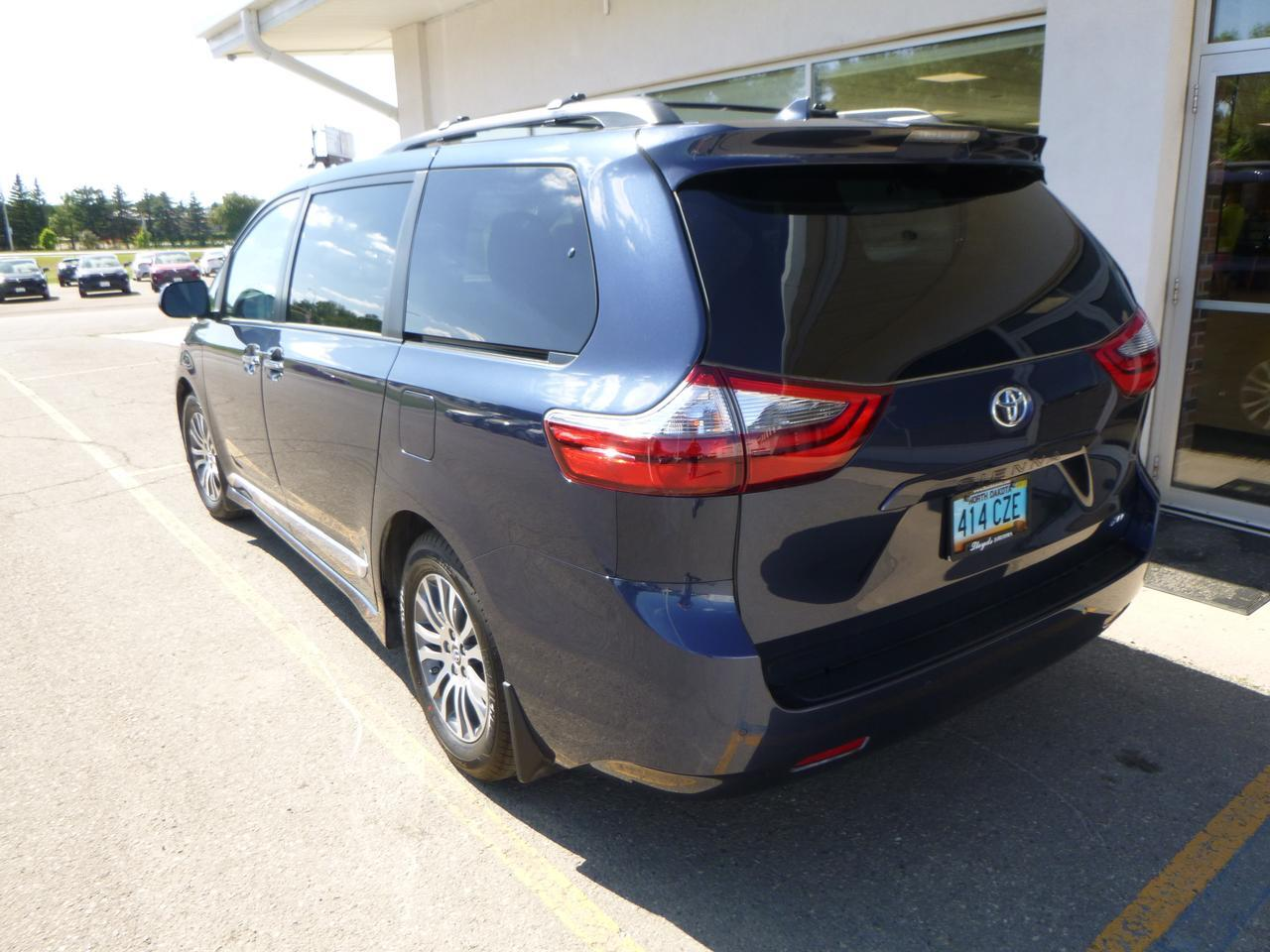 2020 Toyota Sienna XLE FWD Auto Access Seat Jamestown ND