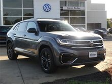 2020_Volkswagen_Atlas Cross Sport_3.6L V6 SE w/Technology R-Line 4Motion_  Woodbridge VA