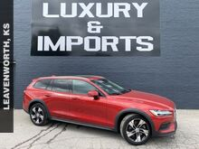 2020_Volvo_V60 Cross Country_T5_ Leavenworth KS