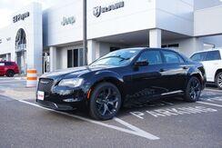 2021_Chrysler_300_Touring_  TX
