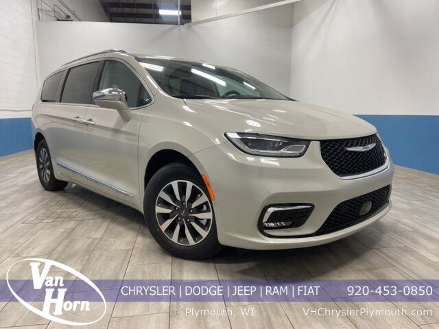 2021 Chrysler Pacifica Hybrid LIMITED Plymouth WI
