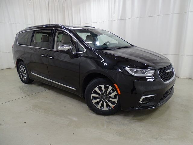 2021 Chrysler Pacifica Hybrid Limited Raleigh NC