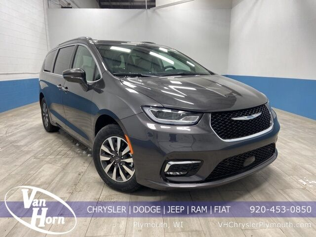 2021 Chrysler Pacifica Hybrid TOURING L Plymouth WI