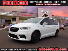 2021_Chrysler_Pacifica_Hybrid Touring_ Phoenix AZ