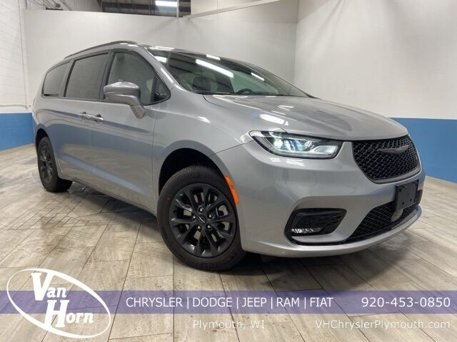 2021 Chrysler Pacifica TOURING L AWD Plymouth WI