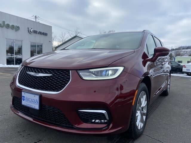 2021 Chrysler Pacifica TOURING L Arcadia WI