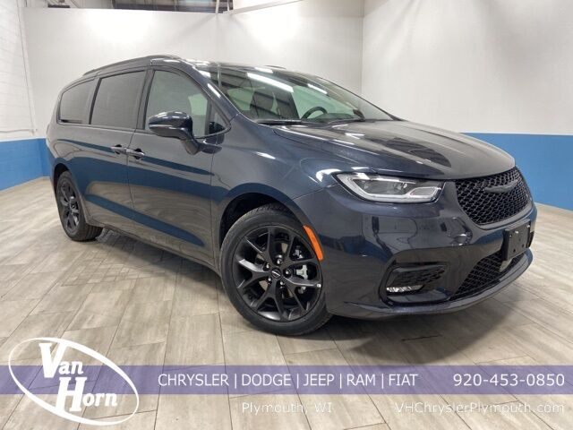 2021 Chrysler Pacifica TOURING L Plymouth WI