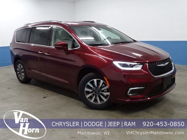 2021 Chrysler Pacifica TOURING L Manitowoc WI