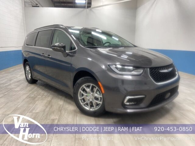 2021 Chrysler Pacifica TOURING Plymouth WI