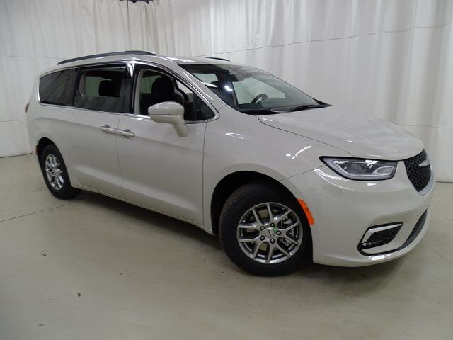 2021 Chrysler Pacifica Touring Raleigh NC