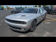 2021_Dodge_Challenger_SXT_ Milwaukee and Slinger WI