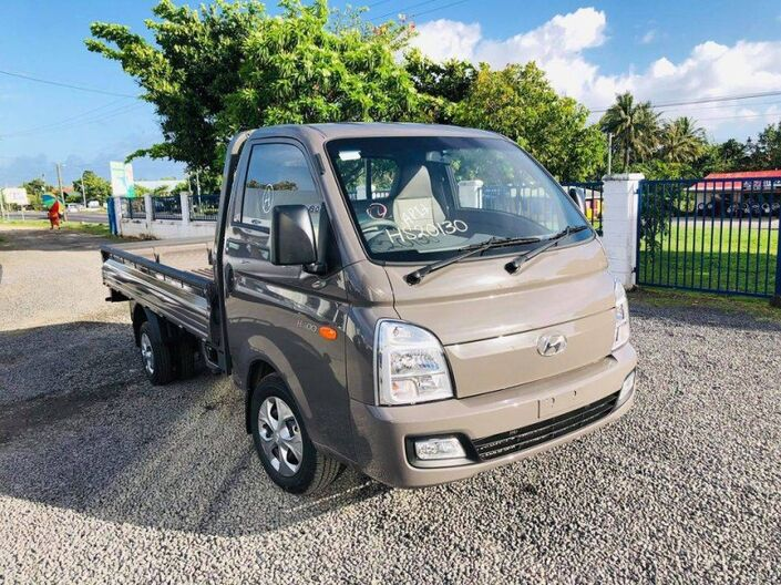 2021 Hyundai H100 FLAT DECK 2.6L DIESEL 2WD 5-SPEED MANUAL TRANSMISSION 2.6L DIESEL 2WD 5MT Vaitele