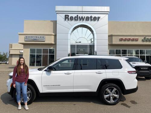 2021_Jeep_Grand Cherokee L_Limited - 3rd Row Seating - Interior Rear Camera - Power Liftgate - Remote Start_ Redwater AB