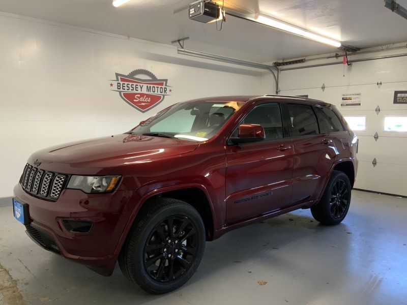 2021 Jeep Grand Cherokee LAREDO X 4X4 South Paris ME