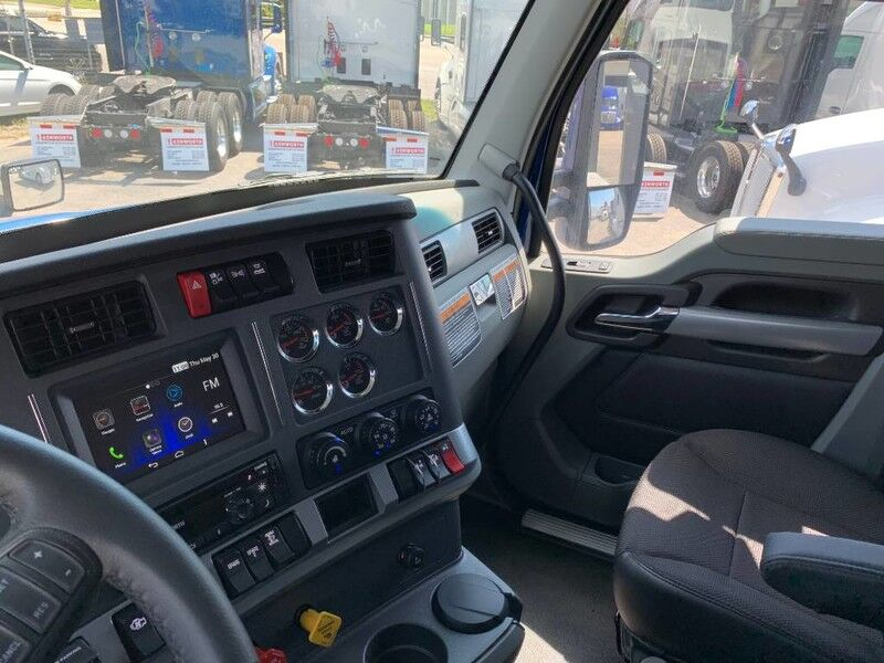 "2021 Kenworth T680 76"" AERODYNE SLEEPER Fort Lauderdale FL"