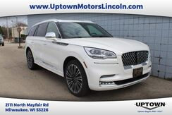 2021_Lincoln_Aviator_Black Label_ Milwaukee and Slinger WI