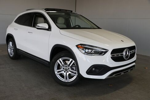 2021_Mercedes-Benz_GLA_GLA 250_ Merriam KS