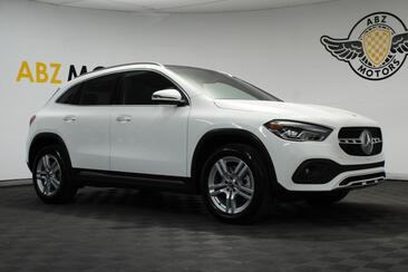 2021_Mercedes-Benz_GLA Pano Roof,Blind Spot,Apple Play,Camera,Keyless GO_GLA 250_ Houston TX