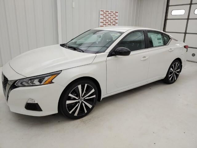 2021 Nissan Altima 2.5 SR Sedan Manhattan KS
