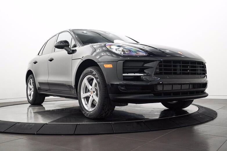 2021 Porsche Macan  Highland Park IL