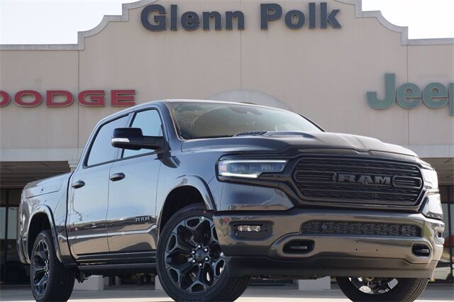 2021 Ram 1500 LIMITED CREW CAB 4X4 5'7 BOX Gainesville TX