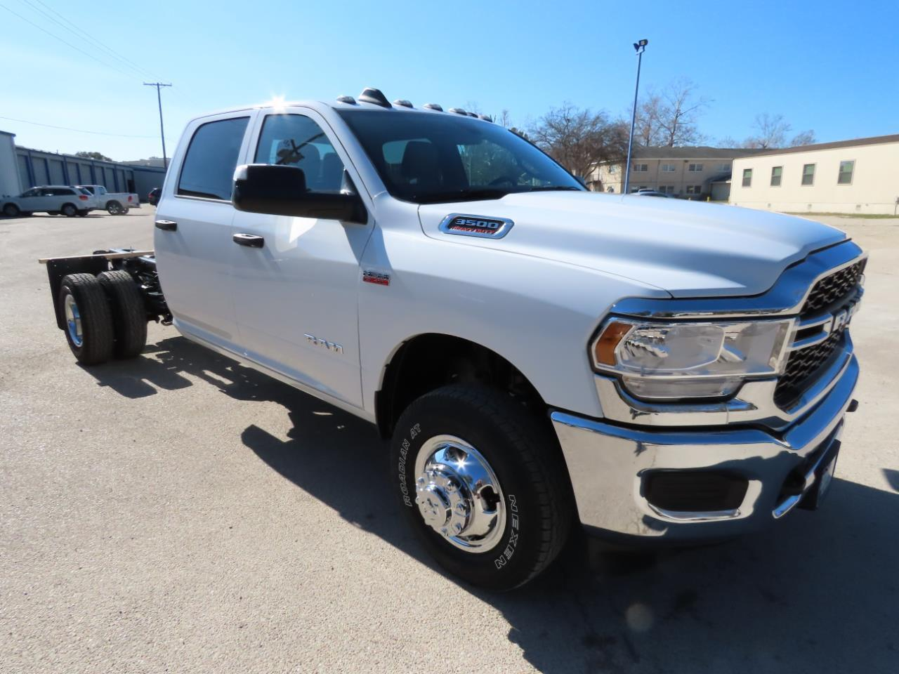 2021 Ram 3500 Chassis Cab TRADESMAN CREW CAB CHASSIS 4X4 60 CA""