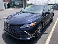 Toyota Camry Hybrid XLE 2021