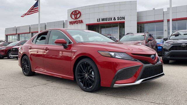 2021 Toyota Camry Hybrid XSE Green Bay WI