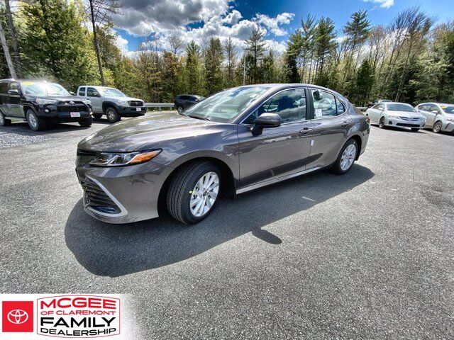 2021 Toyota Camry LE AWD Claremont NH