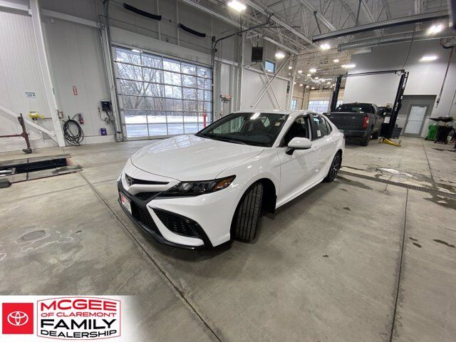 2021 Toyota Camry SE AWD Claremont NH