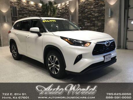 2021 Toyota HIGHLANDER XLE AWD  Hays KS