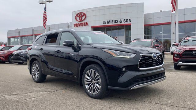 2021 Toyota Highlander Hybrid Platinum Green Bay WI